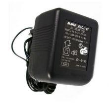 EDC-147 Alinco - зарядное устройство может заряжать носимые радиостанции Alinco